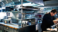 200 x 113_6 ways to be a better restaurant manager your staff will admire-1