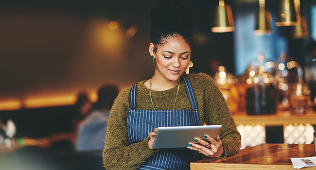 7 savvy ways to improve restaurant sales with technology