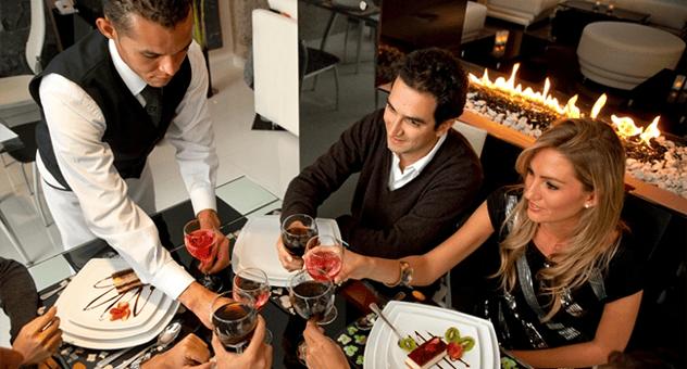 5 best ways to retain restaurant staff.png
