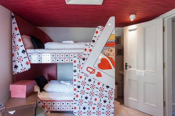 Alice_In_Wonderland_Themed_Hotel_Brighton_England.jpg
