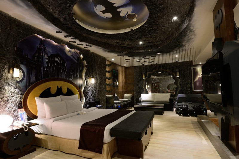 Batman_Themed_Hotel_Taiwan.jpg