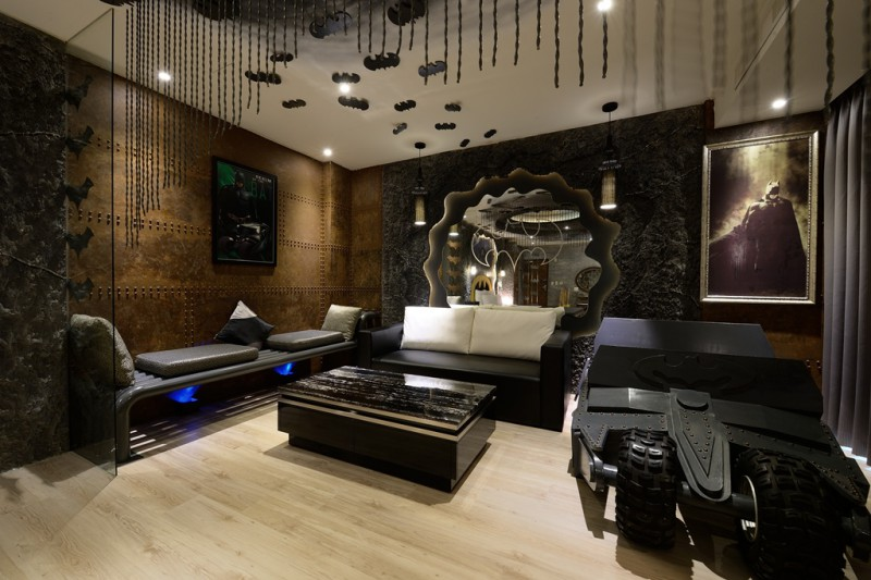 Batman_Themed_Hotel_Taiwan_2.jpg
