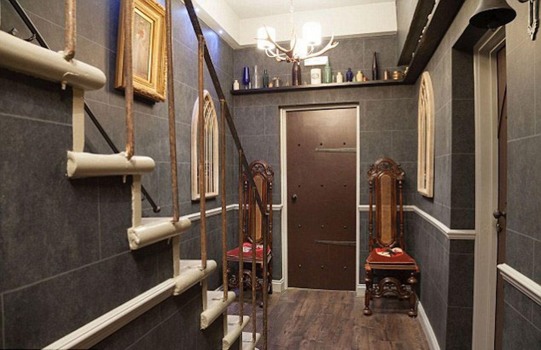 Harry_Potter_Themed_Hotel_Room_London.jpeg