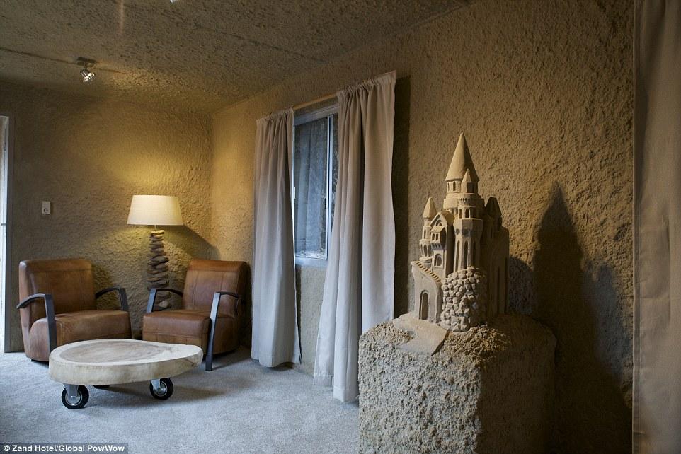 ZandHotel_Sand_Castle_Hotel_Netherlands_2.jpg