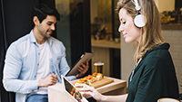 Why you should use online videos to train your hospitality staff_200 x 113